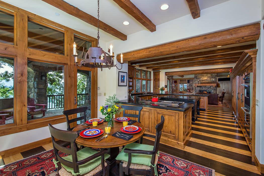 A breakfast nook. (Oliver Luxury Real Estate)