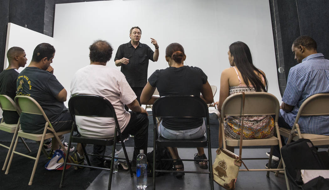 Acting coach Daryl Morris, middle, conducts acting class on Tuesday, May 29, 2018, at Indie Film Factory, in Las Vegas. Benjamin Hager Las Vegas Review-Journal @benjaminhphoto