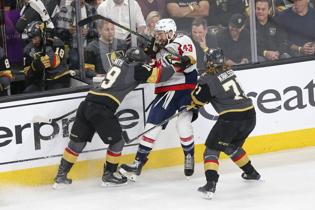 Vegas Golden Knights right wing Reilly Smith (19) and center William  Karlsson (71 2f187a9ba58