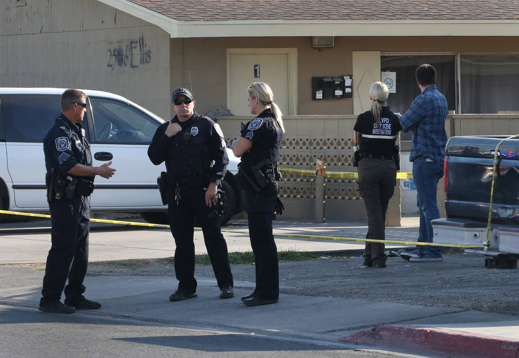 North Las Vegas police are investigating a triple shooting that left one man dead at 2500 block of Ellis St., on Friday, June 8, 2018. Bizuayehu Tesfaye/Las Vegas Review-Journal @bizutesfaye
