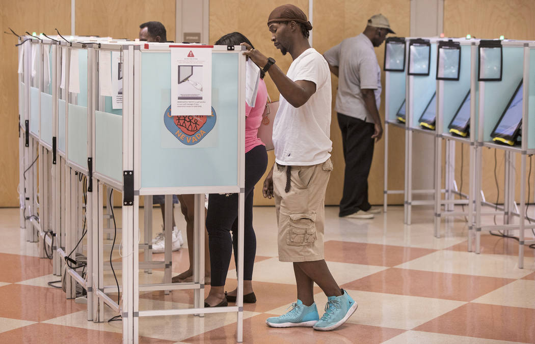 Las Vegans' cast their vote at the Doolittle Community Center on Friday, June 8, 2018, in Las Vegas. Benjamin Hager Las Vegas Review-Journal @benjaminhphoto