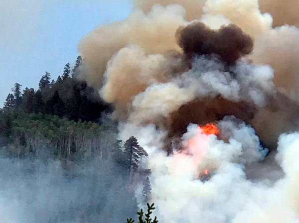 More evacuations ordered as Colorado wildfire expands   Las