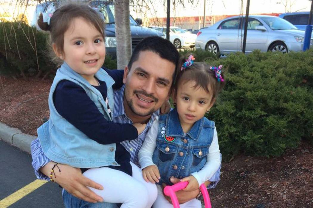 Pizza delivery man facing U.S.  deportation order granted stay