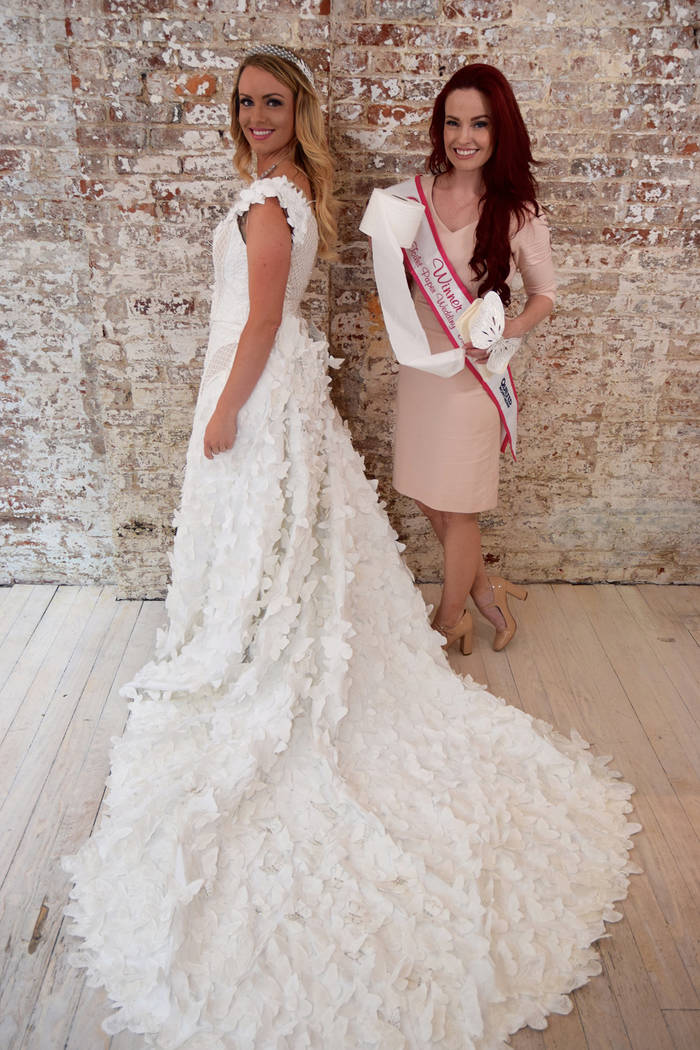 Kari Curletto is an expert at transforming the humble household item she holds into amazing wedding dresses. Kari Curletto