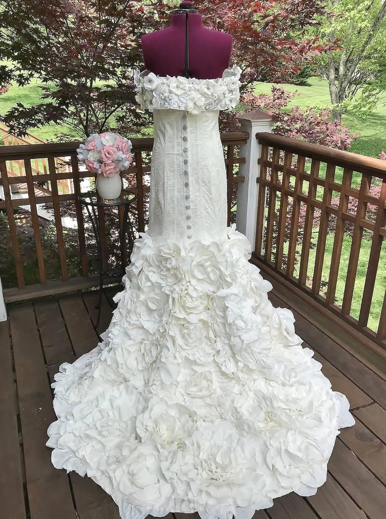 Las Vegan A Finalist In Toilet Paper Wedding Dress Contest Las