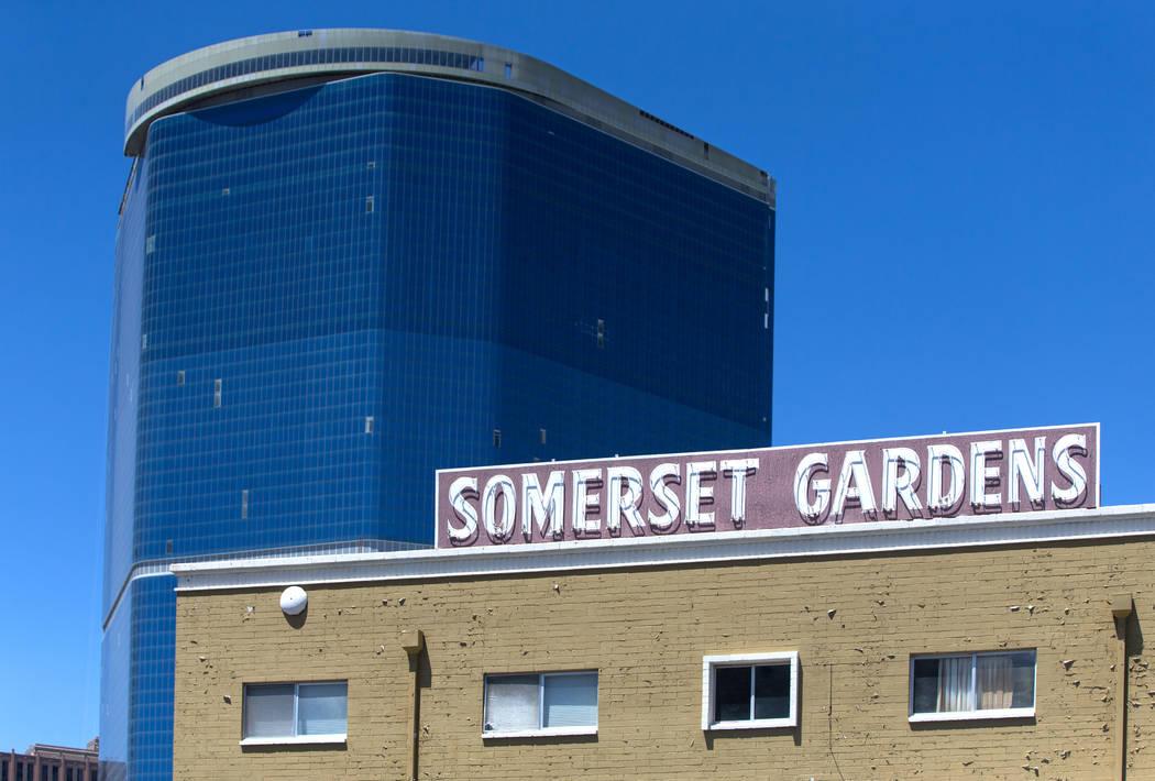 The Somerset Gardens apartment complex on Monday, June 11, 2018, in Las Vegas. Benjamin Hager Las Vegas Review-Journal @benjaminhphoto