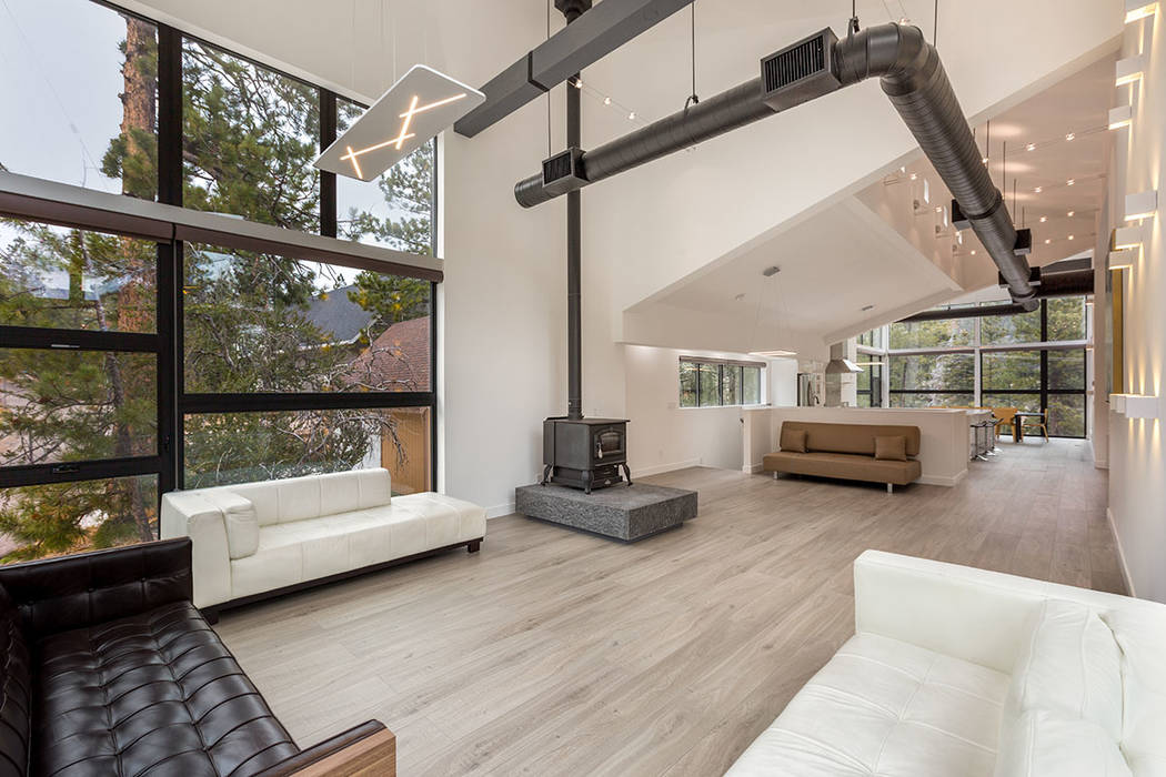 The Second Floor Was Designed To Show Off The Views Of The Pine Forest Luxury Homes Photography Las Vegas Review Journal