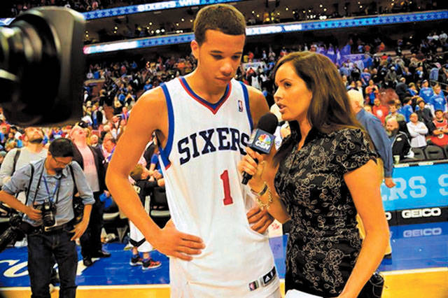 Sideline reporter Molly Sullivan, a Green Vallley High product, interviews Philadelphia 76ers guard Michael Carter-Williams. (SPECIAL TO THE REVIEW-JOURNAL)