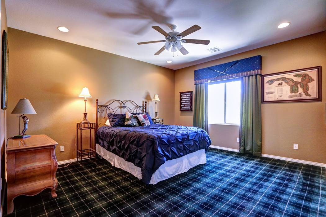 A secondary bedroom. (Lisa Paquette TourFactory)