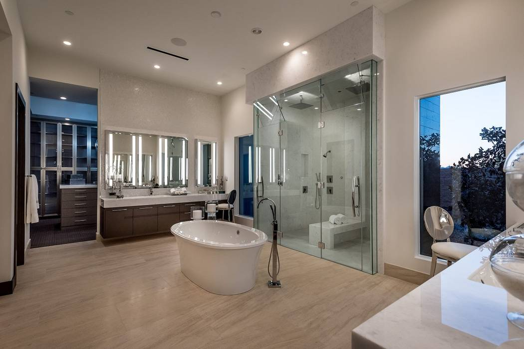 The master bath. (Sun West Custom Homes)