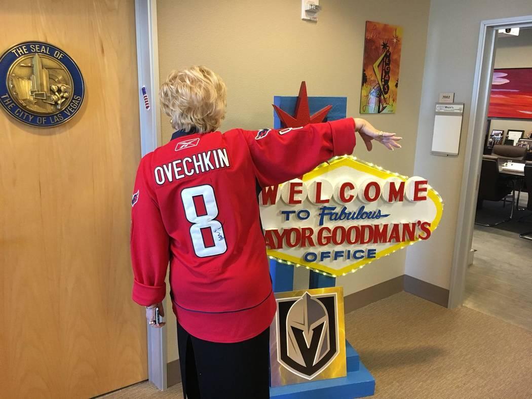 on sale 05d35 8b45a Las Vegas mayor wears Washington Capitals jersey to pay off ...