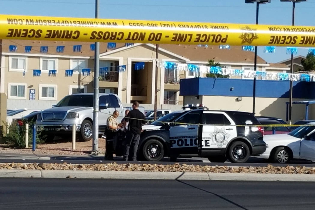 Las Vegas police investigate a shooting that left one person dead at Cheyenne Avenue and Las Vegas Boulevard North Friday, June 1, 2018. (Mike Shoro/Las Vegas Review-Journal).