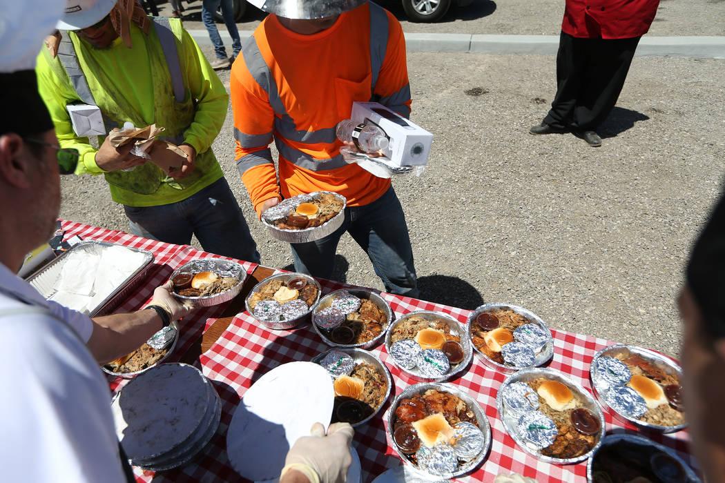 Food is served for construction workers at the Raiders stadium site in Las Vegas, Thursday, June 28, 2018. Erik Verduzco Las Vegas Review-Journal @Erik_Verduzco