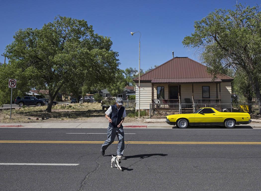 Angel Delgadillo, 91, walks to Delgadillo's Route 66 Gift Shop on Wednesday, May 16, 2018, in Seligman, AZ. Benjamin Hager Las Vegas Review-Journal @benjaminhphoto