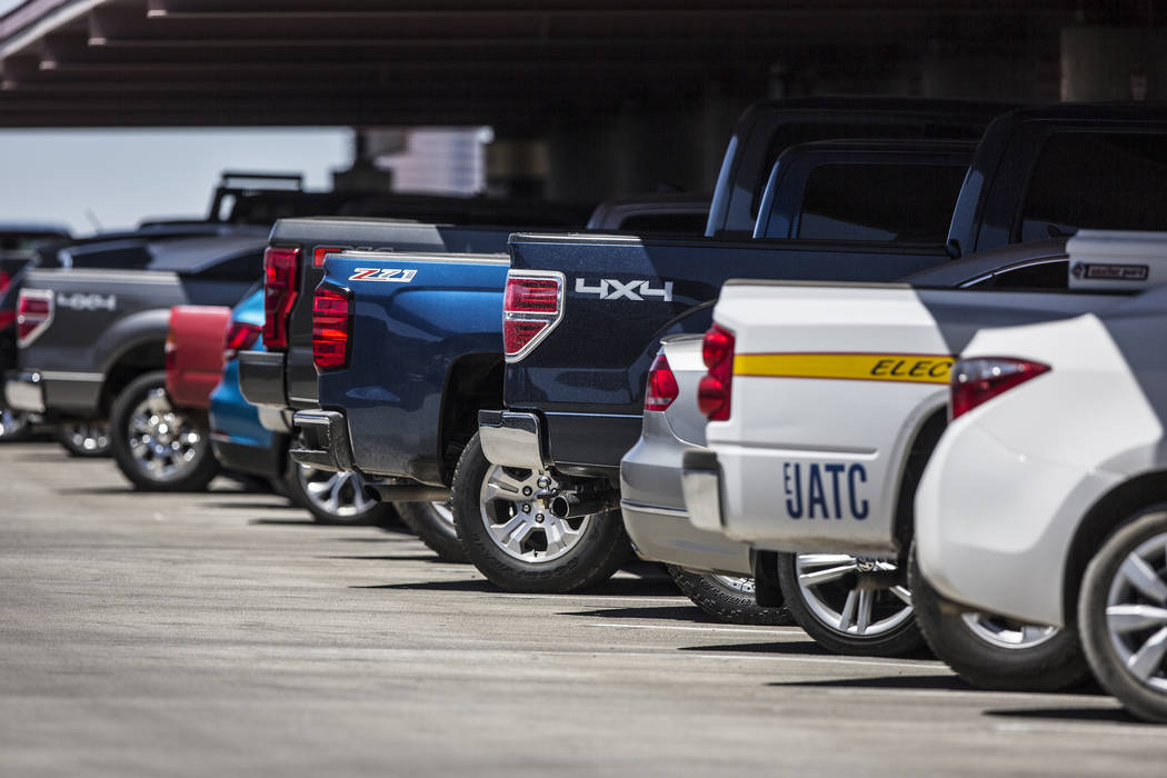 Vehicles line the top floor of the Terminal 1 parking garage at McCarran International Airport on Thursday, June 28, 2018, in Las Vegas. Benjamin Hager Las Vegas Review-Journal @benjaminhphoto