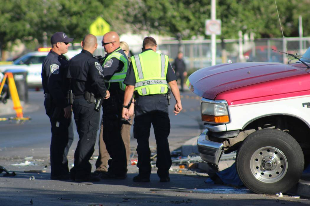 Police respond to a two-vehicle crash on near Lake Mead Boulevard and Pecos Road in North Las Vegas on Thursday, May 24, 2018. (Max Michor/Las Vegas Review-Journal)