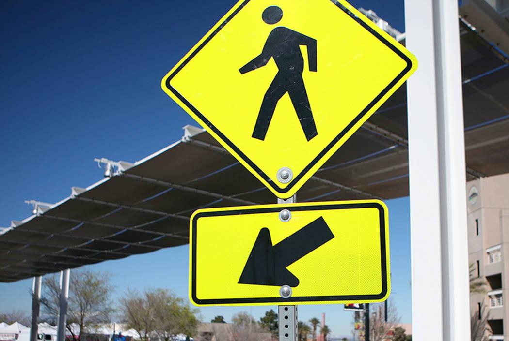 A pedestrian sign on Water Street in Henderson. (Las Vegas Review-Journal)