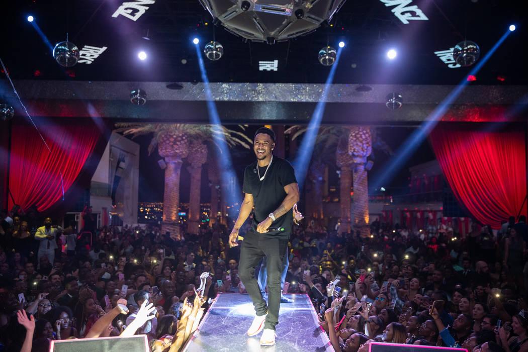 Trey Songz is shown performing at Kevin Hart's birthday party at Chateau Nightclub at Paris Las Vegas on Friday, July 6, 2018. (Tony Tran)
