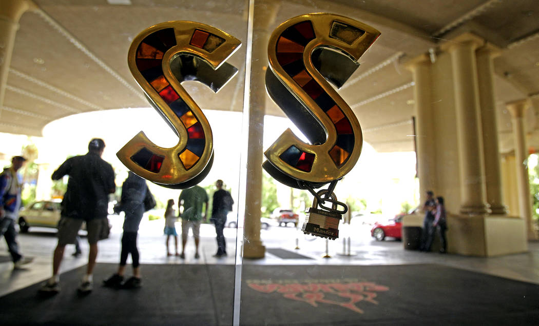 The Sahara hotel-casino front entrance before the property closed on May 16, 2011. (Las Vegas Review-Journal File Photo)