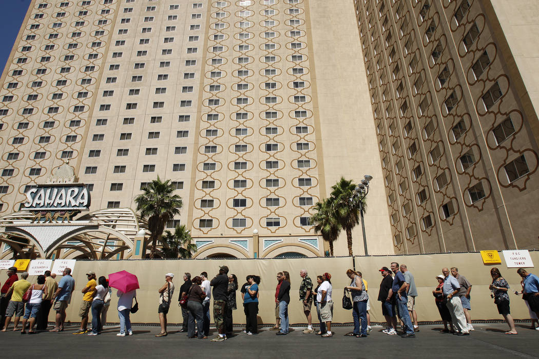 People line up outside of the Sahara hotel-casino before the start of a liquidation sale on items in the hotel in 2011. (Las Vegas Review-Journal File Photo)