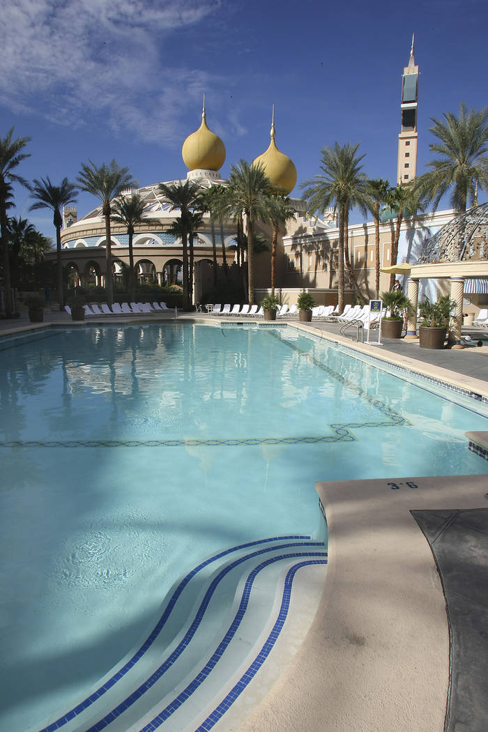 The outdoor pool at the Sahara hotel-casino-casino in November of 2007. (Las Vegas Review-Journal File Photo)