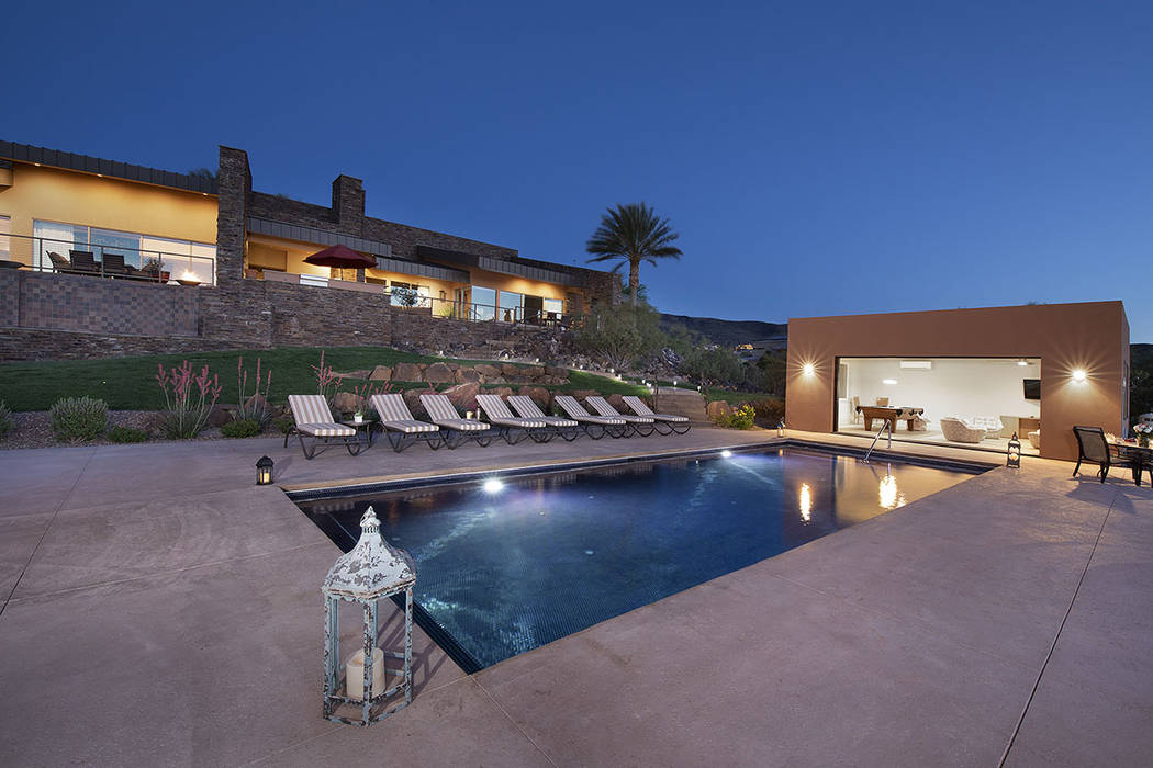 The pool and pool house. (Synergy/Sotheby's International Realty)