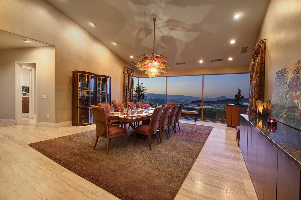 The formal dining room. (Synergy/Sotheby's International Realty)