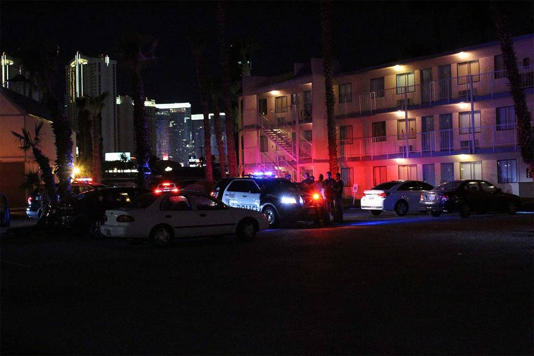 Las Vegas police are investigating after a man was shot Friday, July 3, 2018, at the Harbor Island Apartments. (max Michor/Las Vegas Review-Journal)