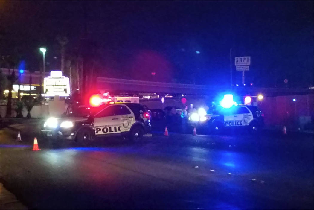 Las Vegas police investigate a fatal stabbing at West Sahara Avenue and Highland Drive, near Interstate 15, in Las Vegas on Friday, July 20, 2018. (Mike Shoro/Las Vegas Review-Journal)
