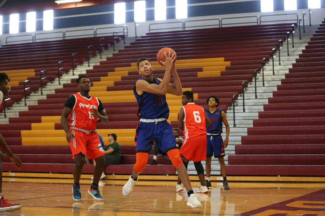 Las Vegas Knicks guard Nick Blake (23) looks for an open shot during his basketball game at Del Sol Academy of the Performing Arts in Las Vegas, Thursday, July 26, 2018. Erik Verduzco Las Vegas Re ...