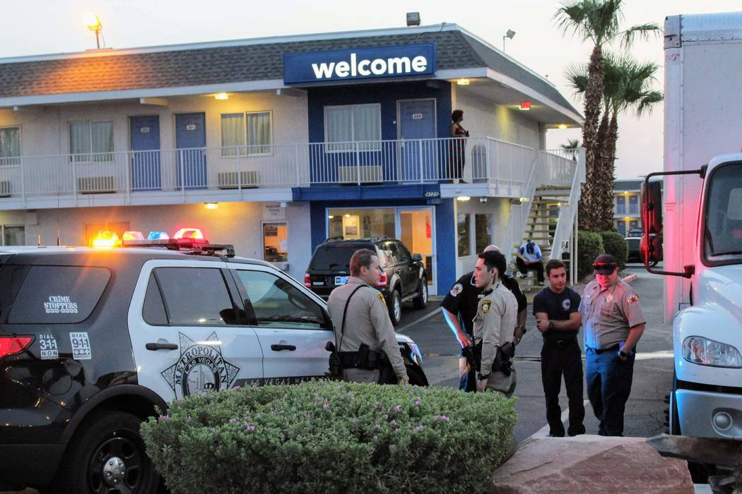 Las Vegas abuse and neglect detectives on Tuesday, July 31, 2018, investigated an incident at a Motel 6 on Boulder Highway after a toddler was found unconscious. (Max Michor/Las Vegas Review-Journal)