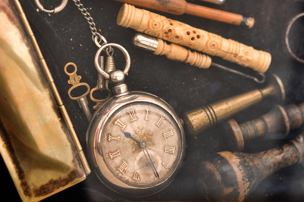 Vintage watches are a unique and relatively complex mechanical antique that can span a range of several hundred years of production, with millions of watches produced and thousands of variations, ...