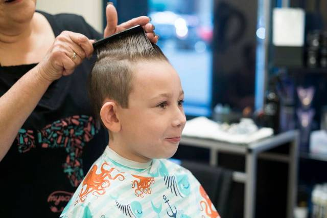 Haircuts Smiles And Help For Las Vegas Students Photos Las