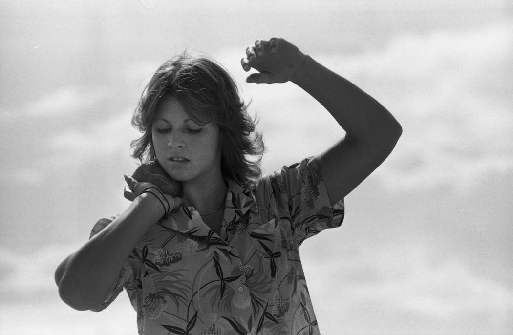 Sheila Tarr competes in shotput at Bonanza High School in 1980. (Las Vegas Review-Journal File Photo)