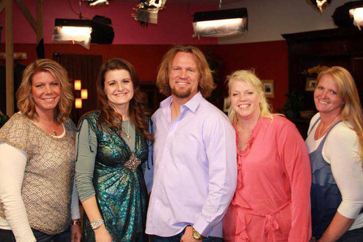 """The Browns, the polygamist family featured on TLC's """"Sister Wives"""" program. (From left to right) Meri, Robyn, Kody, Janelle and Christine. (Sister Wives/Facebook)"""