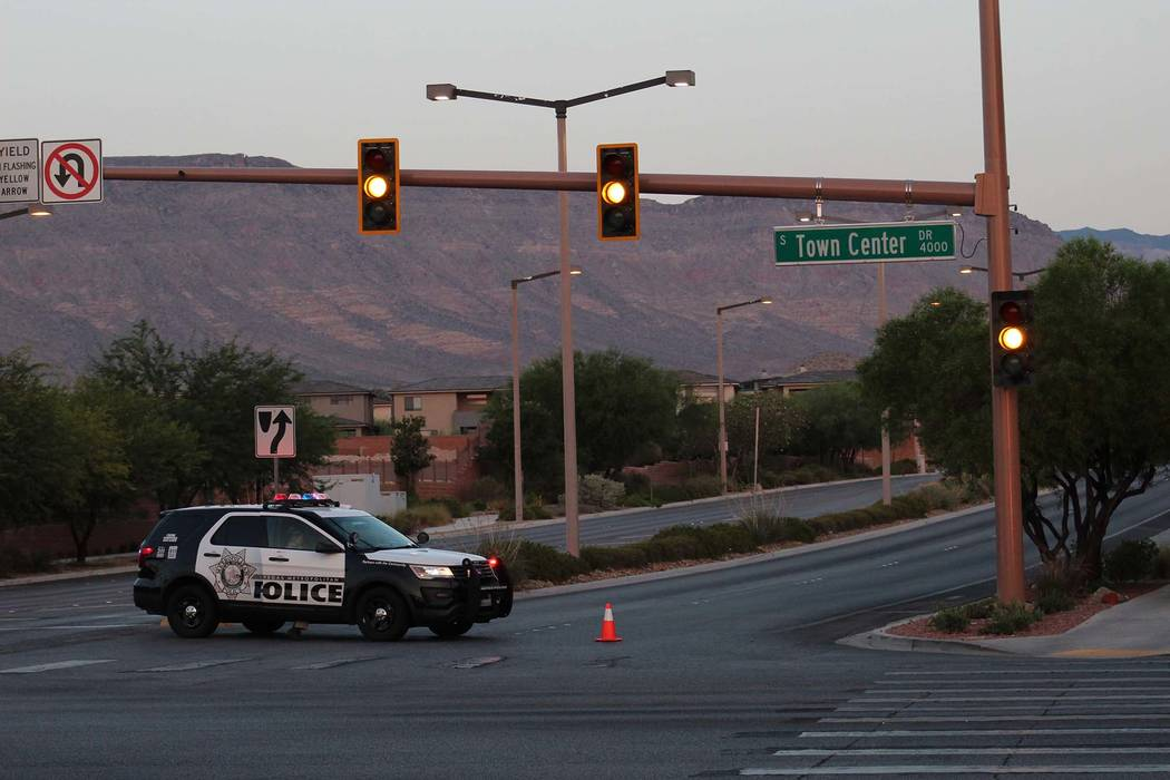 Las Vegas police investigate a fatal crash near Town Center and West Flamingo Road early Friday morning, Aug. 3, 2018. (Max Michor/Las Vegas Review-Journal)