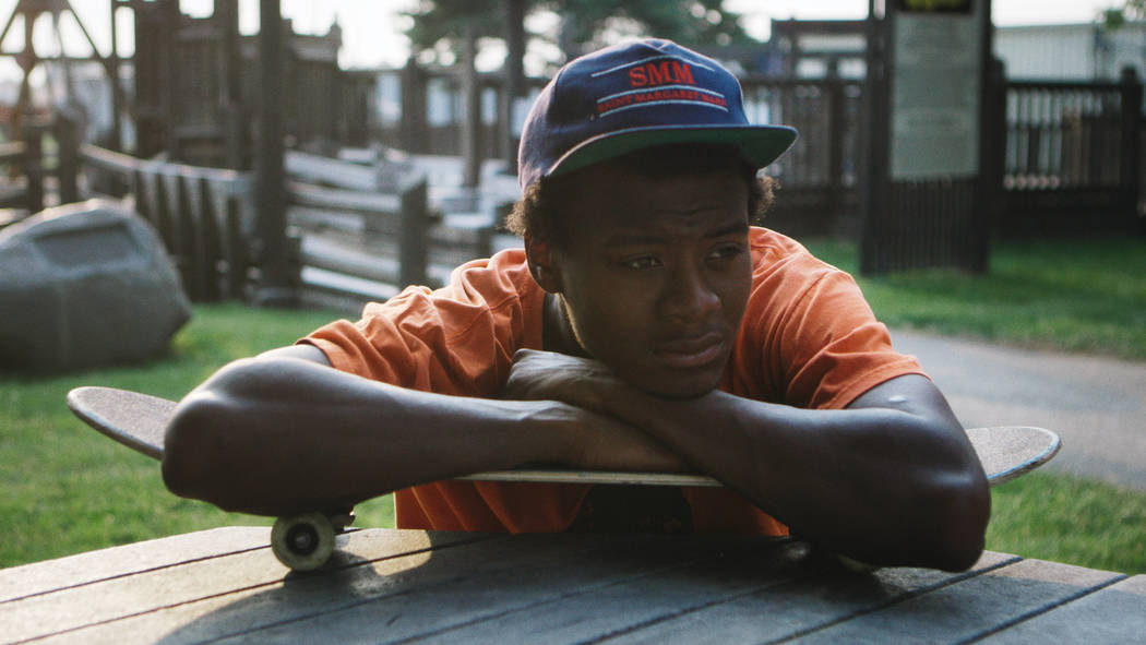 Minding The Gap- Compiling over 12 years of footage shot in his hometown of Rockford, IL, in MINDING THE GAP Bing Liu searches for correlations between his skateboarder friends' turbulent upbringi ...