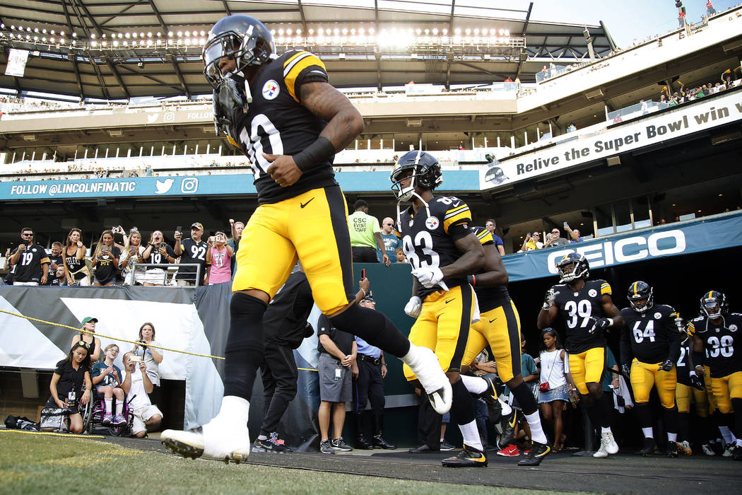 Pittsburgh Steelers wide receiver Quadree Henderson (10) takes the field before their preseason NFL football game against Philadelphia Eagles Thursday, Aug. 9, 2018 in Philadelphia. (Winslow Towns ...