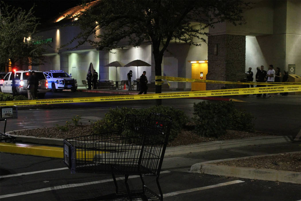 Henderson police respond after a shooting outside the Vons store in the 2600 block of Windmill Parkway, near Pecos Road, on Sunday, Aug. 12, 2018. (Max Michor/Las Vegas Review-Journal)
