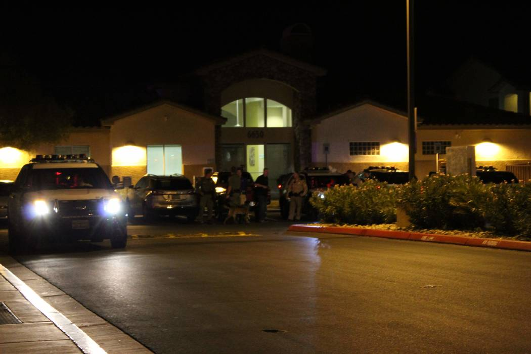 A man suffered a fatal gunshot wound Sunday, Aug. 1, 2018, at the Silver Pines Apartments. (Max Michor/Las Vegas Review-Journal)