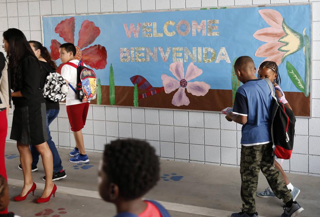 Matt Kelly Elementary School students arrive on their first day of school on Monday, Aug. 13, 2018, in North Las Vegas. Bizuayehu Tesfaye/Las Vegas Review-Journal @bizutesfaye