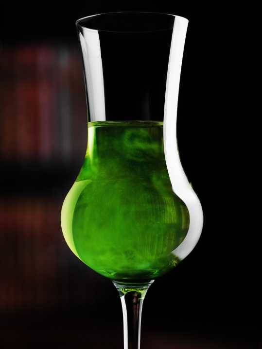 Modernist Cuisine Gallery Conjuring the Green Fairy