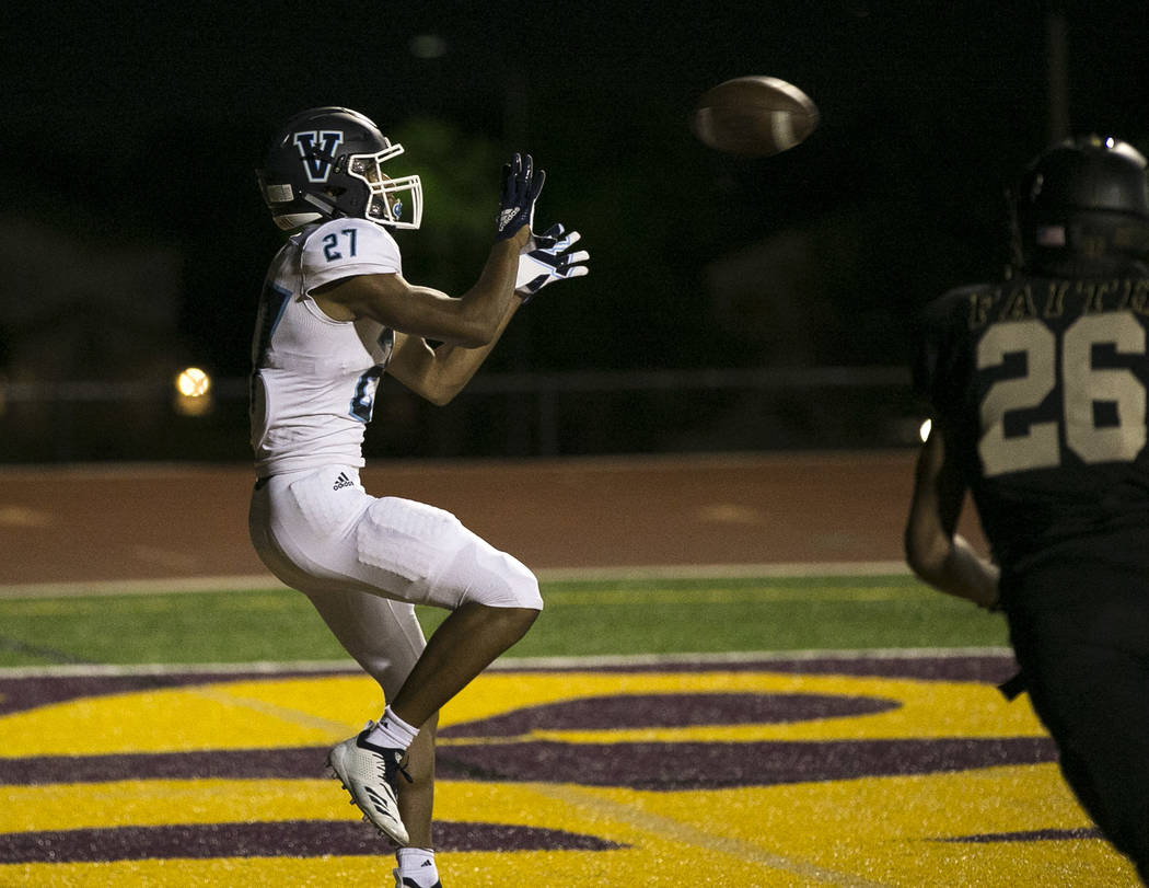 Valor Christian (Colorado) senior Connor Else (27) makes a catch for a touchdown against Faith Lutheran during the first half of varsity football game at Faith Lutheran High School in Las Vegas on ...