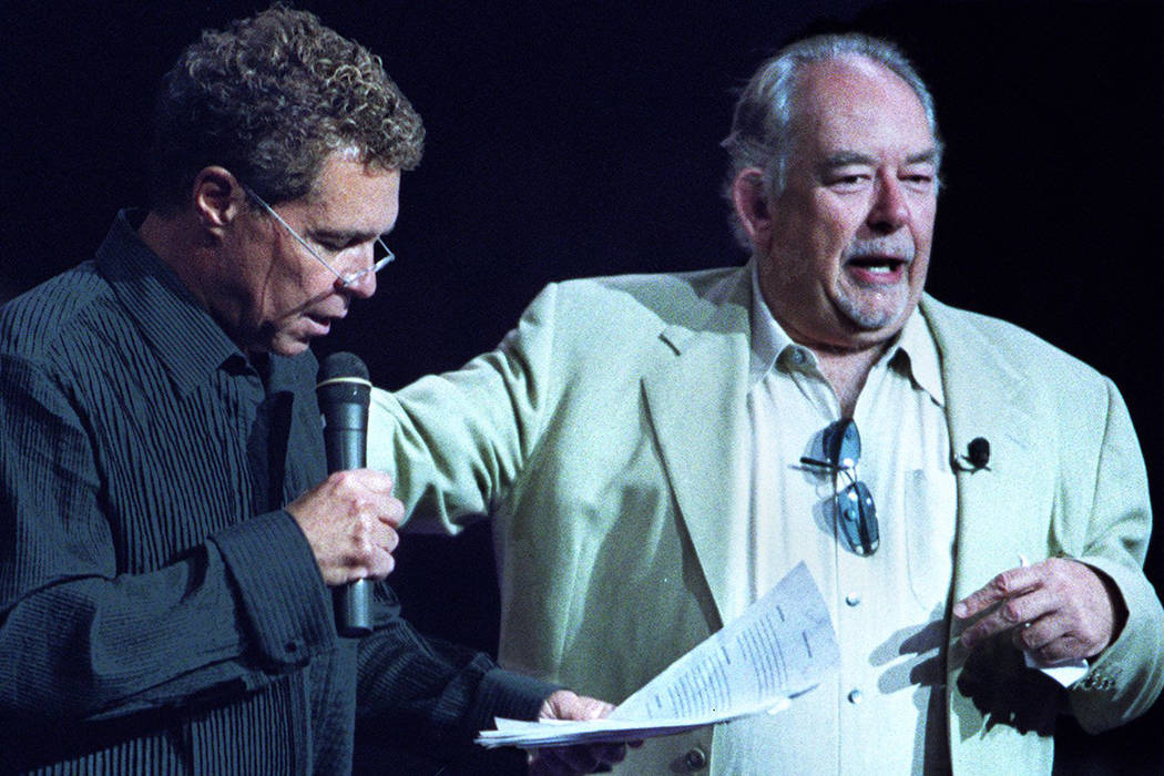 Robin Leach, right, with Clint Holmes at a 2014 fundraiser for the Animal Foundation. (Las Vegas Review-Journal)