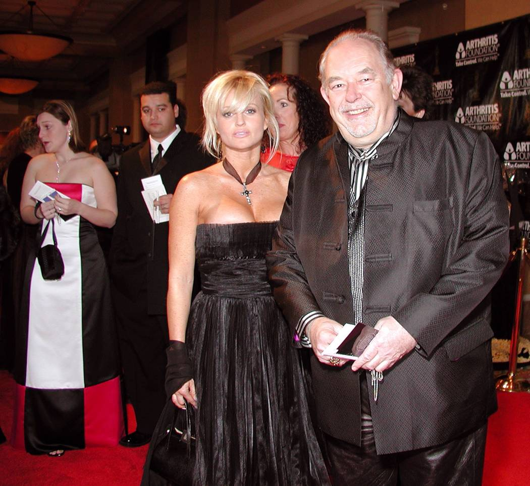 On the red carpet, Nanette Miller and Robin Leach attend the 9th Annual Oscar Night America at Caesars Palace to benefit the Arthritis Foundation.