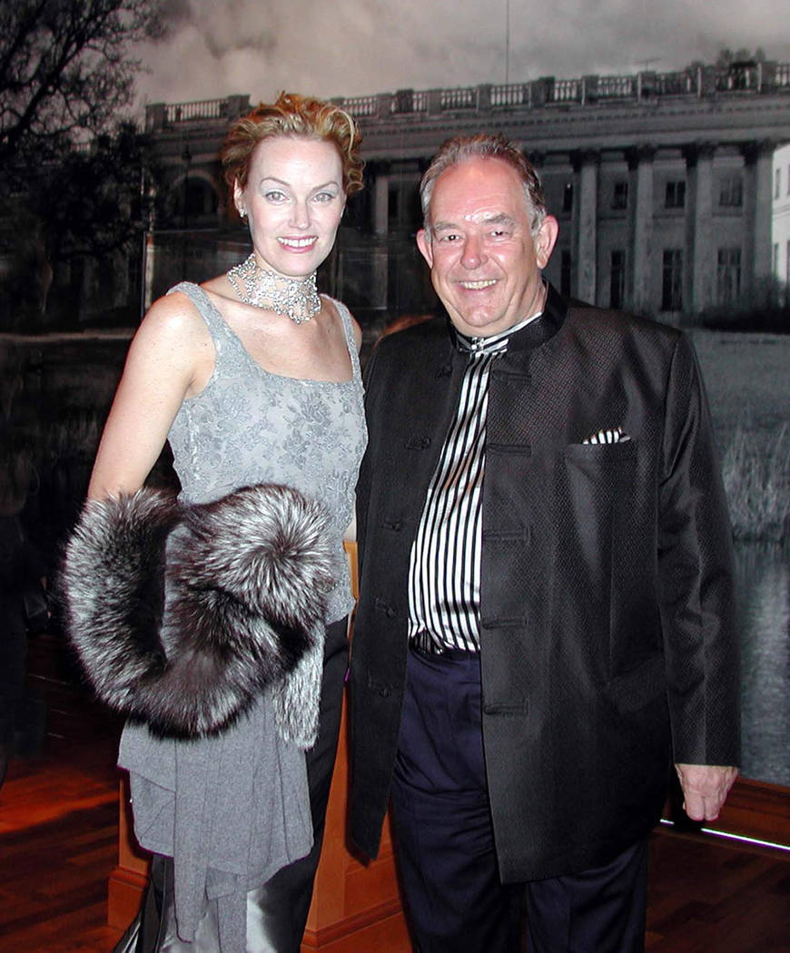 Andrea Bundonis, President of the Bellagio Gallery of Fine Art attends an eloquent affair with Robin Leach in 2002. (File Photo)