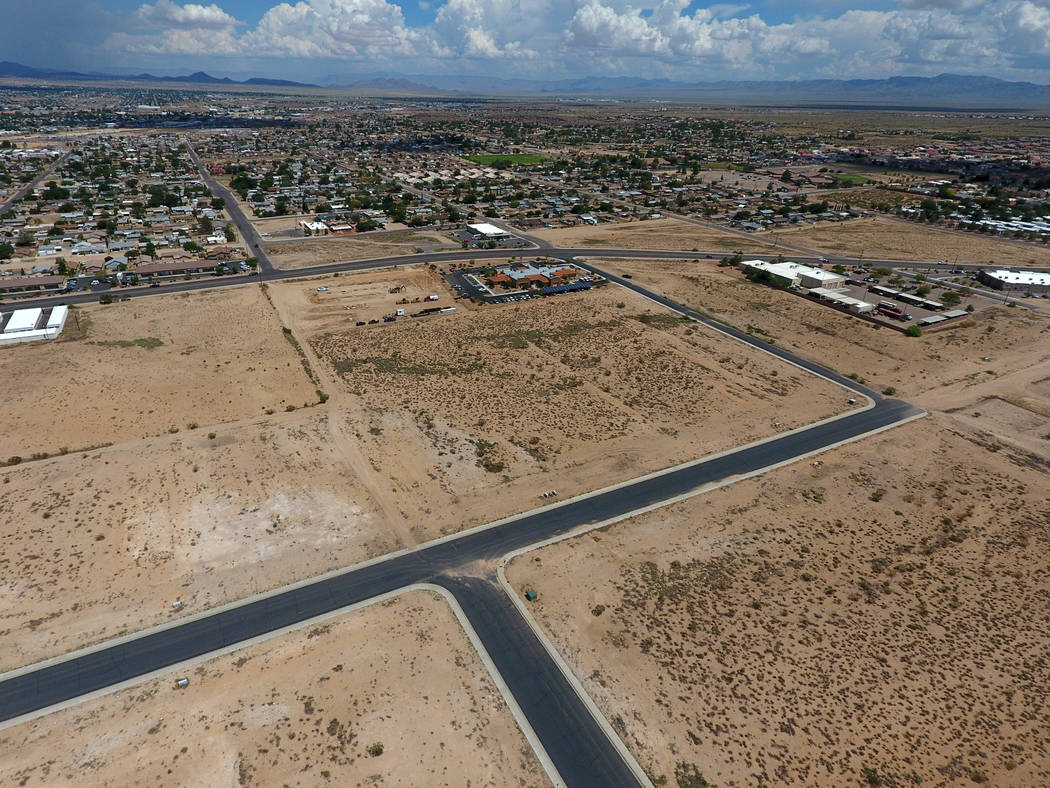 An a Aerial view of an unfinished subdivision between Mission Boulevard and Hualapai Mountain Road in Kingman, Ariz. on Friday, August 17, 2018. Michael Quine Las Vegas Review-Journal @Vegas88s