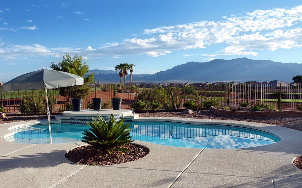 For many snowbirds buying second homes in Las Vegas, a pool — or access to one — is essential. (Thinkstock)