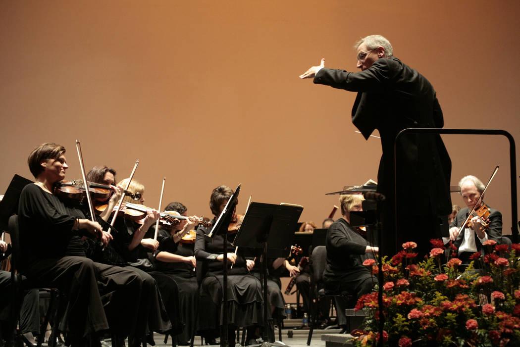 David Itkin leads the Las Vegas Philharmonic Audrey Dempsey