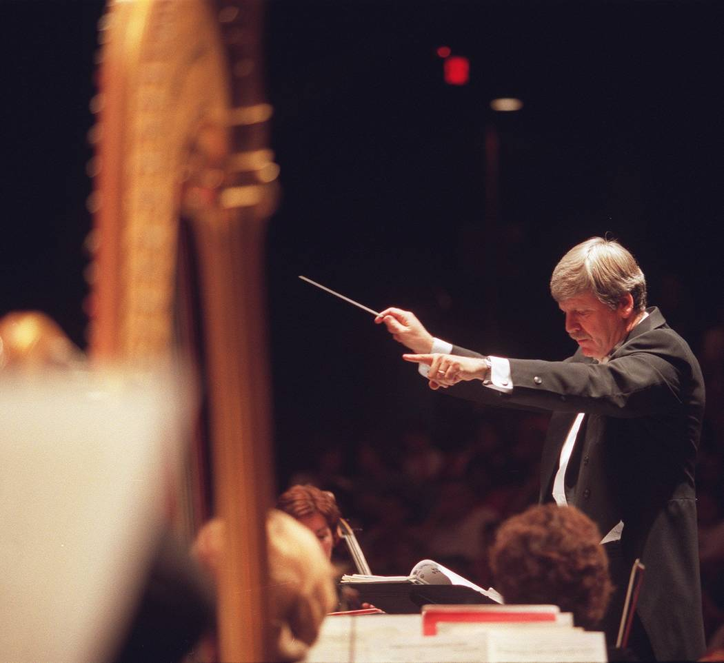 Living-- Dick McGee conducts the Las Vegas Philharmonic during a youth concert at Artemus Ham Hall at UNLV, Wed. Jan. 9, 2001.--Photo Christine H. Wetzel